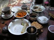 Угощение в чуме. Озеро Большое Советское