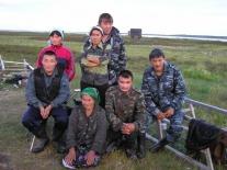 Семья Давиндуков и гости на стойбище