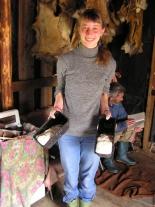 Женя Ренковская учится печь хлеб