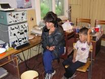 Елена Александровна Дибикова с сыном на связи